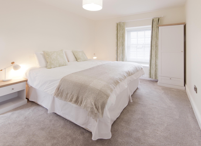 Bedroom(e)