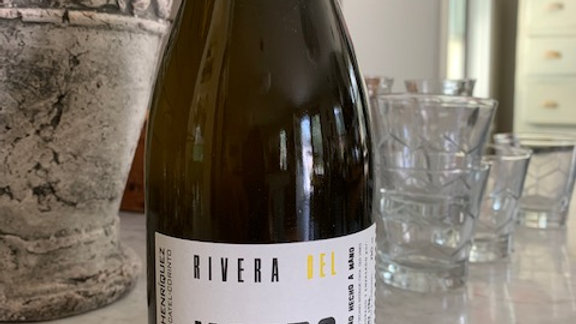 Roberto Henriquez Rivera del Notro Blanco-beautiful, peppery, skin contact white