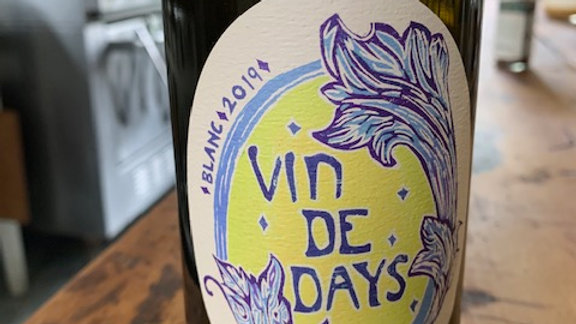 Day Vin De Days Blanc, energetic, lively with zesty acidity