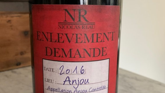 Enlevement Demande Anjou 2016 - plums and leather, the perfect steak wine