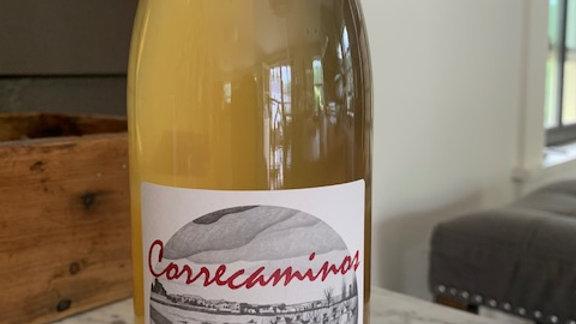"""MicroBio Correcaminos Blanco-""""lemonade, lime, orange blossoms, salt, minerals"""