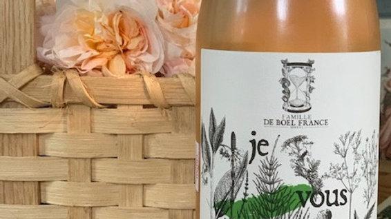 Famille de Boel JeVous AdoreVaucluse -apricots, grapefruit, roses and sunshine