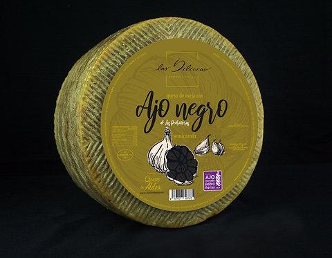 Cuña Queso de Oveja con Ajo Negro aprox 0.135Kg