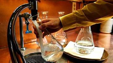 Tap water - agua de torneira - em restaurantes!