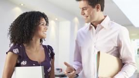 Como iniciar, manter e terminar uma conversa em inglês!