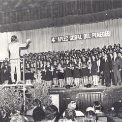 El cant coral també tenia el seu espai al nostre teatre. En aquest cas el quart aplec coral del Penedès.