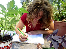 public_שנה בגינה אילנה מציירת.jpg
