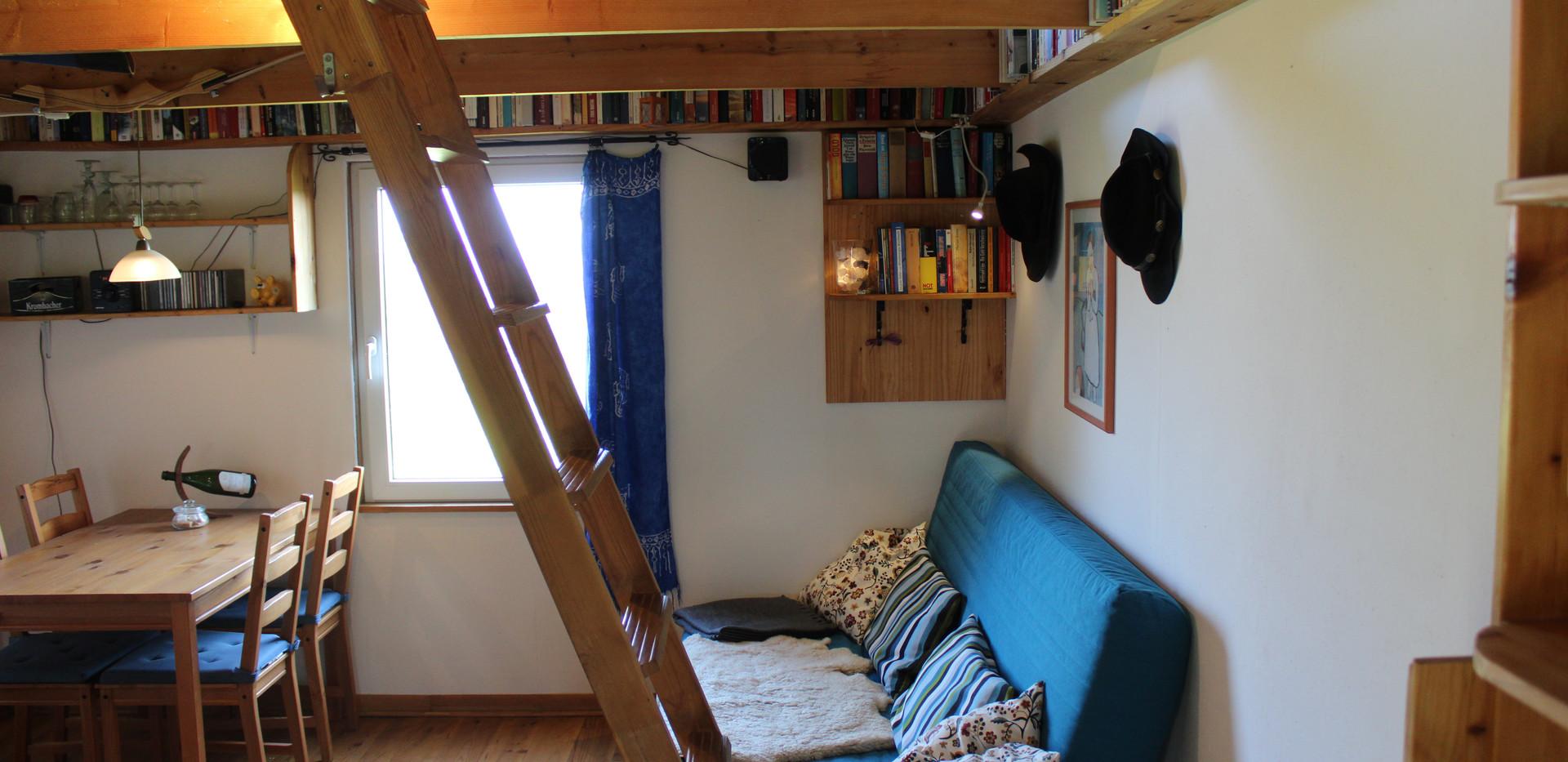 Wohnbereich in der Hütte