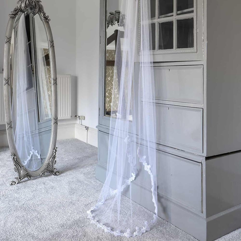 lace edged single tier veil