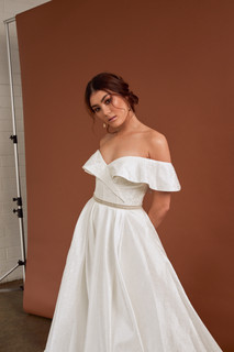 Cizzy Bridal