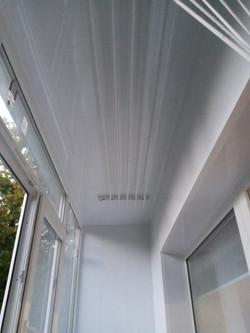 Внутренняя отделка балкона под ключ