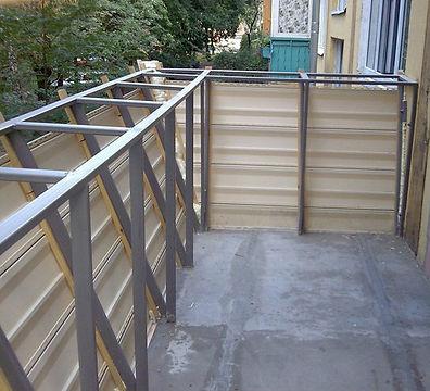 Работы по расширению балкона по парапету