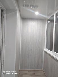 Внутреннняя обшивка балкона ламинатом в