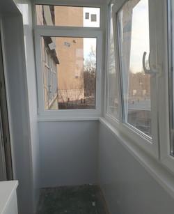 Внутренняя обшивка балкона под ключ в Харькове