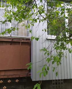 Обшивка балкона профлистом в Харькове