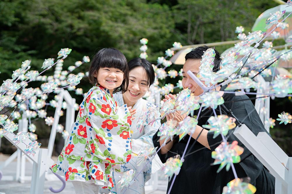 浜松のカメラマンが撮影した法多山尊永寺での浴衣のファミリーロケーションフォト。