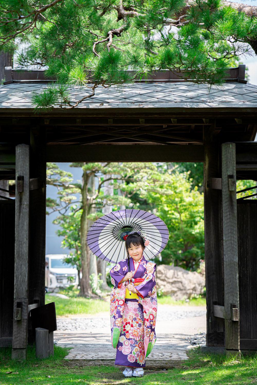 浜松のカメラマンが撮影した掛川にある竹の丸での七五三ロケーション写真