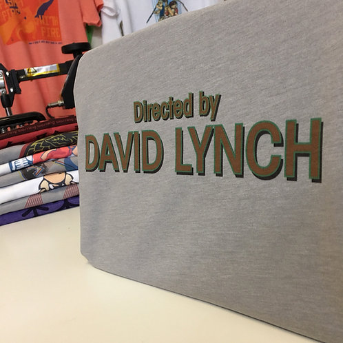 Twin Peaks 'Directed By David Lynch Logo T-Shirt - Inspired by Opening Credits