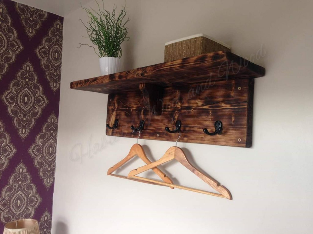 Coat rack with shelf