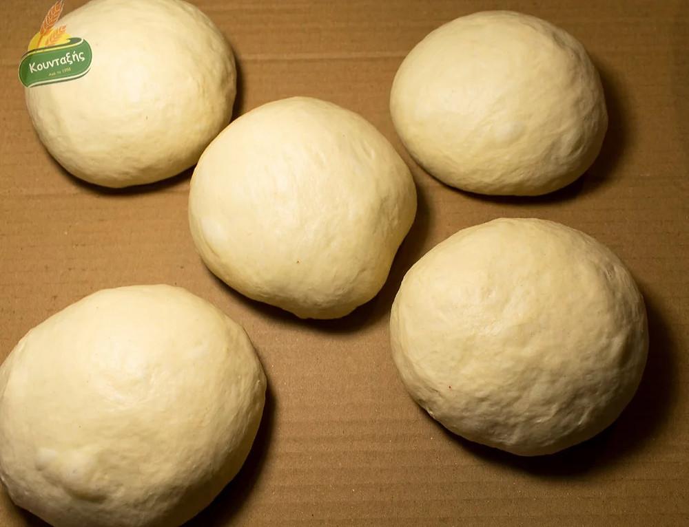 Λευκό Ζυμάρι Πίτσας