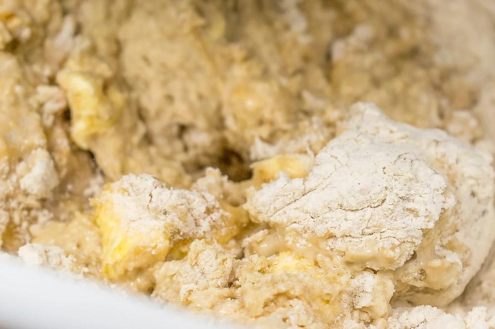 Τσουρέκι νηστίσιμο με μέλι και αμυγδαλόγαλα