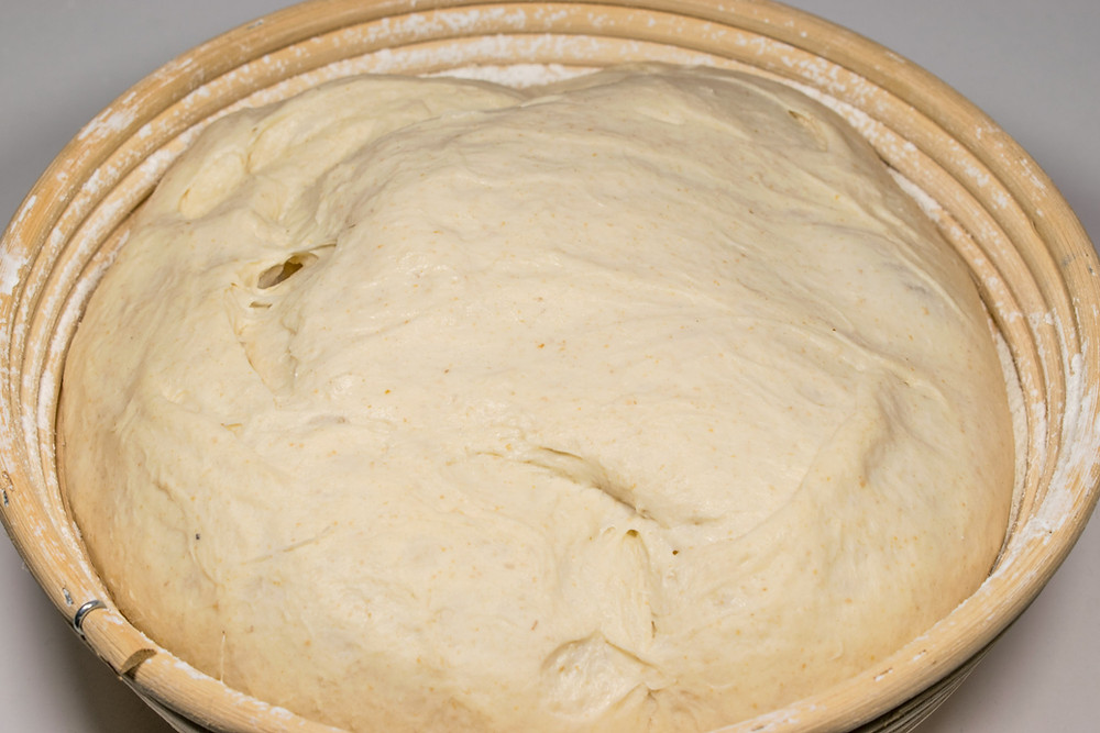 Απλό προζυμένιο ψωμί για αρχάριους