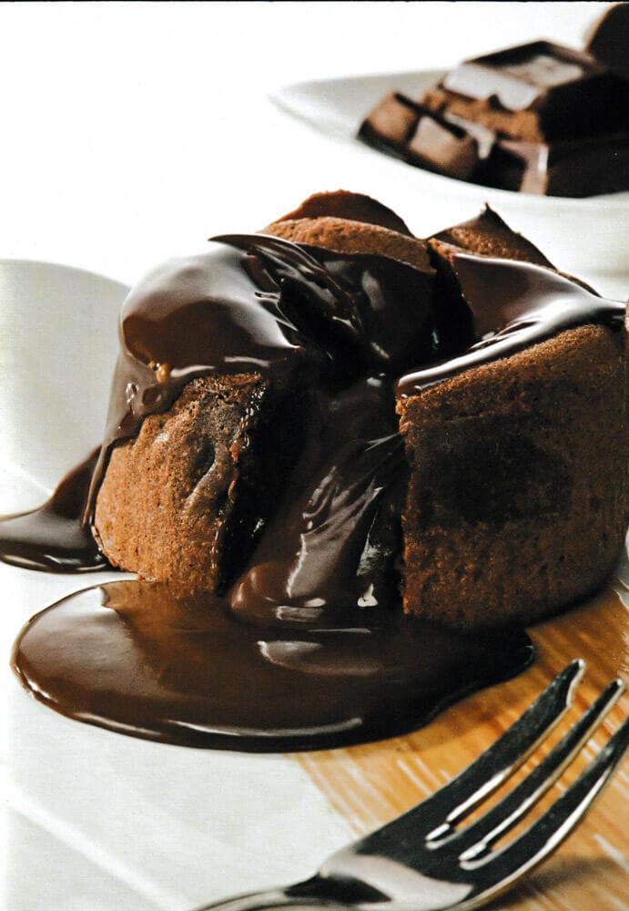 Υγρό Κέικ Σοκολάτας με Σάλτσα ? μα Σοκολάτας φυσικά!