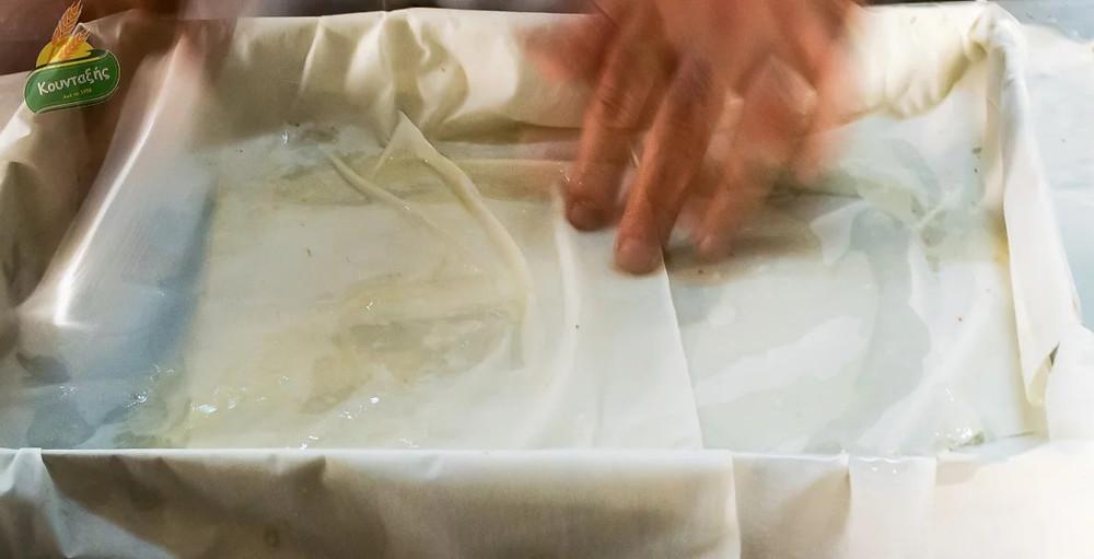 Σουσαμόπιτα Σερρών με αναποφλοίωτο σουσάμι