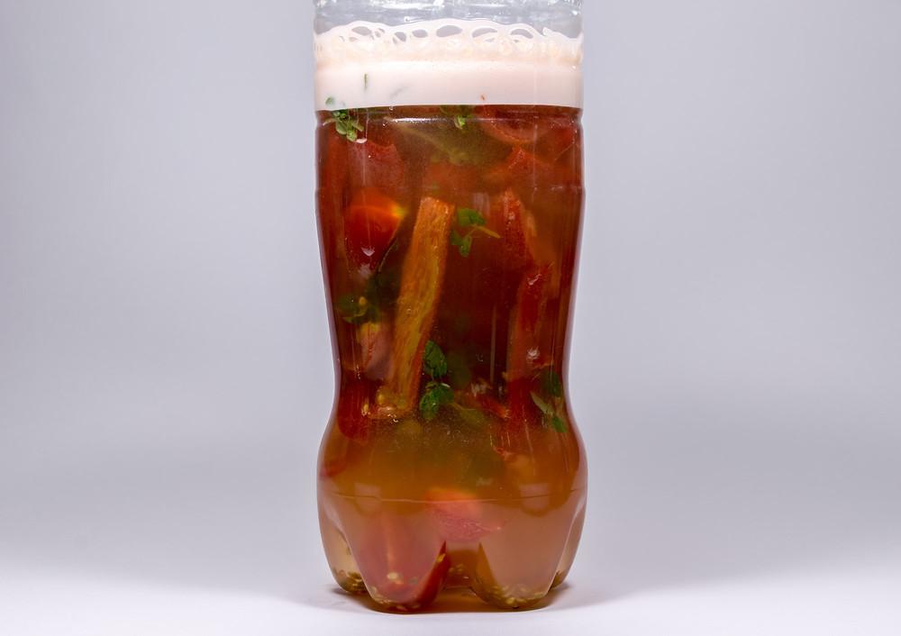 Πως κάνουμε yeast water με πιπεριές Φλωρίνης, ντοματίνια και βασιλικό