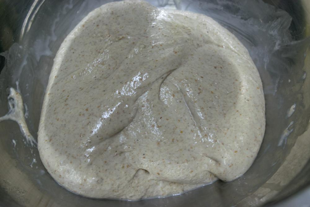 Λευκό με φυσικό προζύμι, 80% νερό, 24 ωρίμανση σε ψυγείο