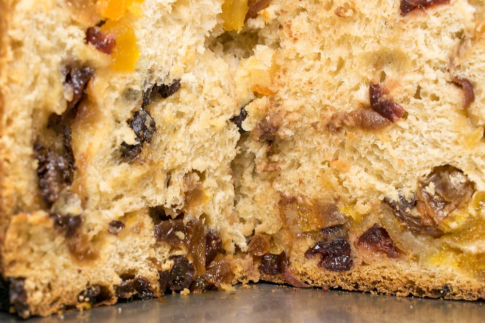 Κέικ με αποξηραμένα φρούτα, μέλι και φυσικό προζύμι