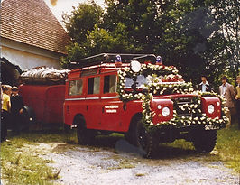 Fahrzeugsegnung%20Landrover3_edited.jpg