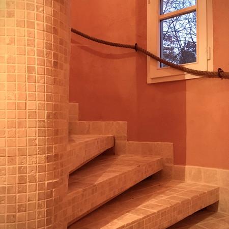 Escalier de la tour vue d'en bas