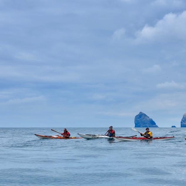 Formation sea kayaking