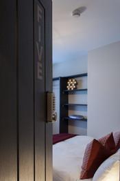 Bed 5 Door.jpg