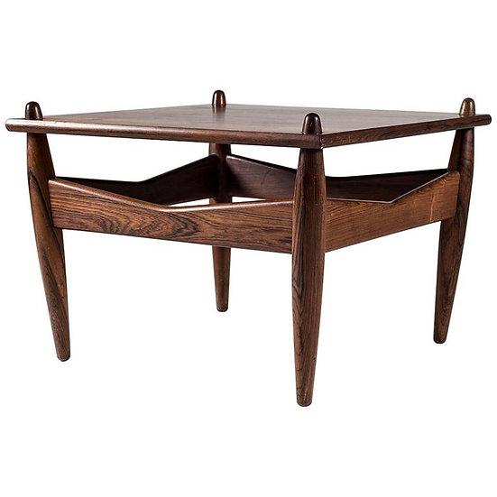 Side Table Model 272 by Illum Wikkelsø