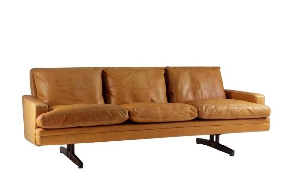 Scandinavian Sofa Modell 807 by Fredrik Kayser