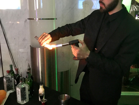 What Is The Difference Between Mixology and Bartending?