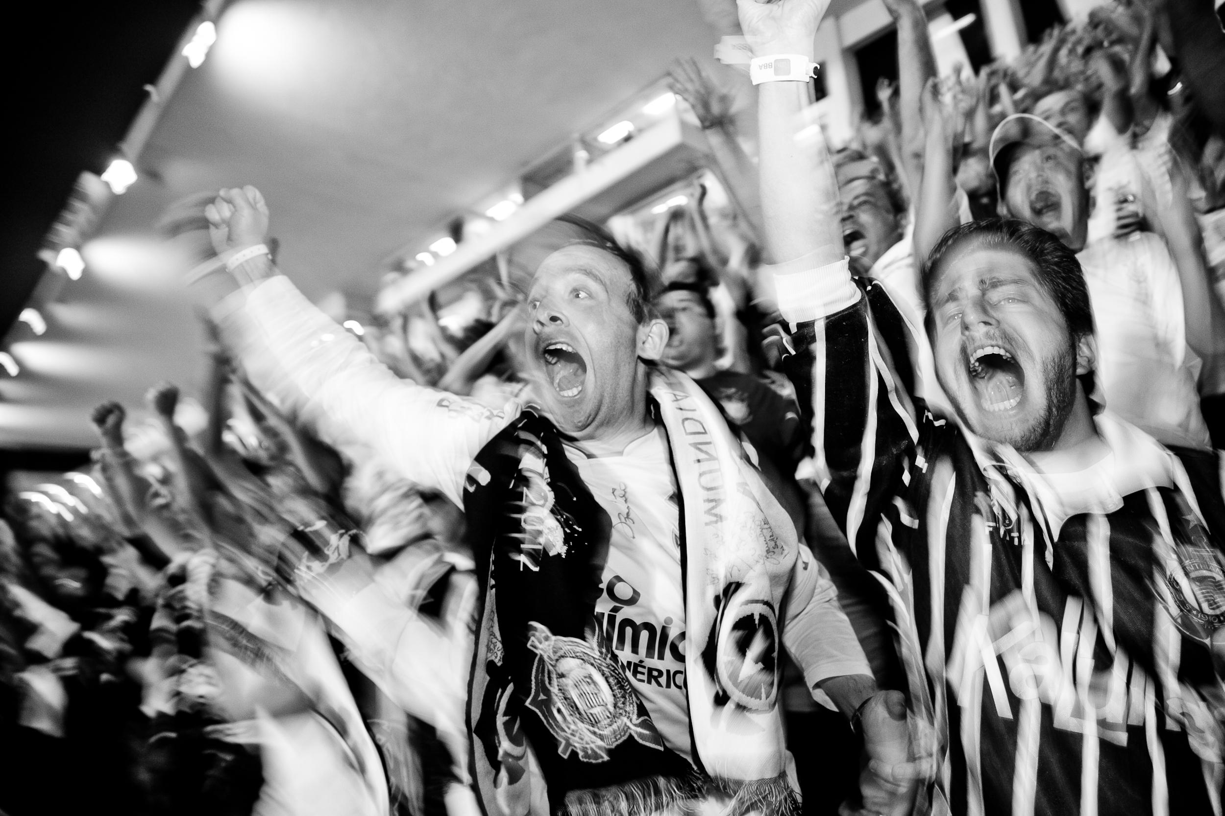 Corinthians_Libertadores_com_Basilio_para_Itau_BBA_Gabriel_Cabral_159