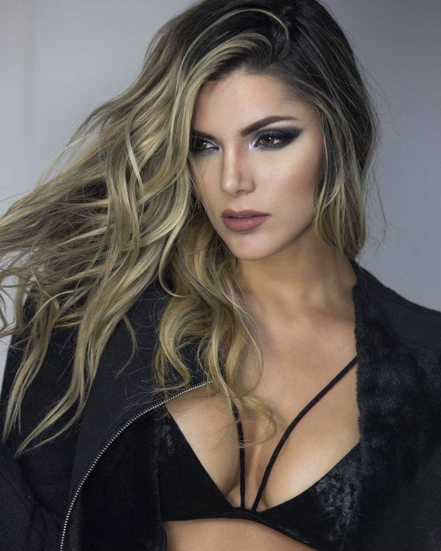Model_ _karlitagarciae_Foto _andres_mont