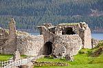 urquhart-castle-100133572[1]