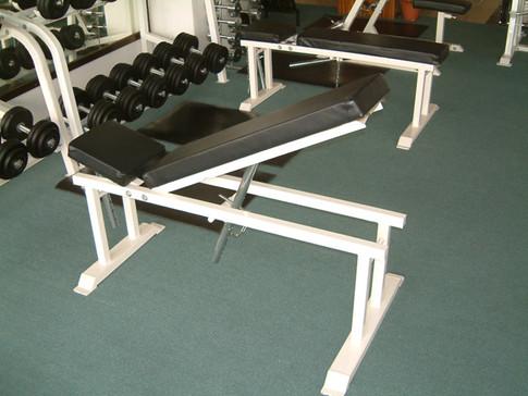 Adjustable Flat/Incline Bench