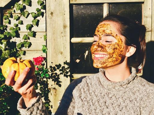 A DIY Detoxifying and Anti-Aging Pumpkin Mask