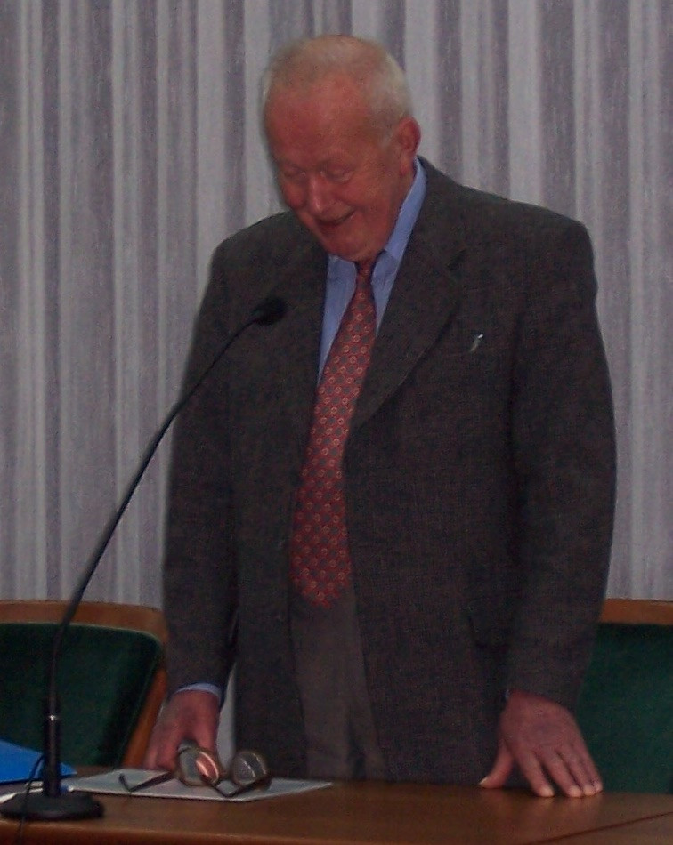 J. Turonak. T. Błaszczak'o nuotrauka iš Konferencijos Białoruś w XX stuleciu : w kręgu kultury i polityki : Toruń 4-5 listopada 2004 roku.