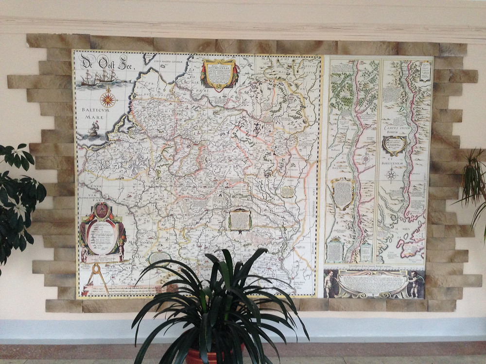 XVII a. LDK žemėlapio reprodukcija 56-osios Minsko mokyklos kolidoriuje. R. Kamuntavičiaus nuotrauka