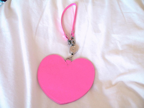 MLTY Heart Retractable Pass Case Pink