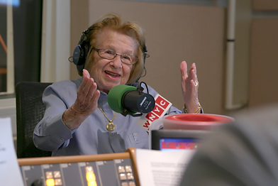 ASK Dr RUTH Mikrophone.png