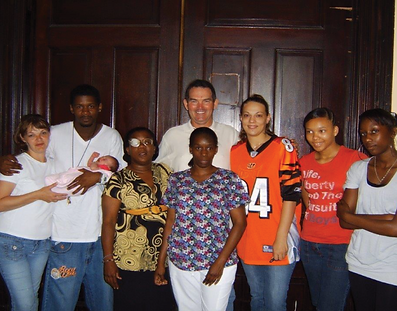 Mike Zimmer visits First Step Home