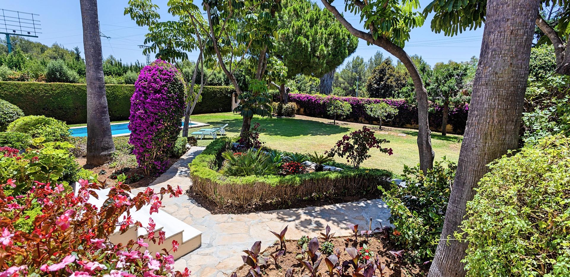 Villa El Bocho - Jardin_Fotor.jpg