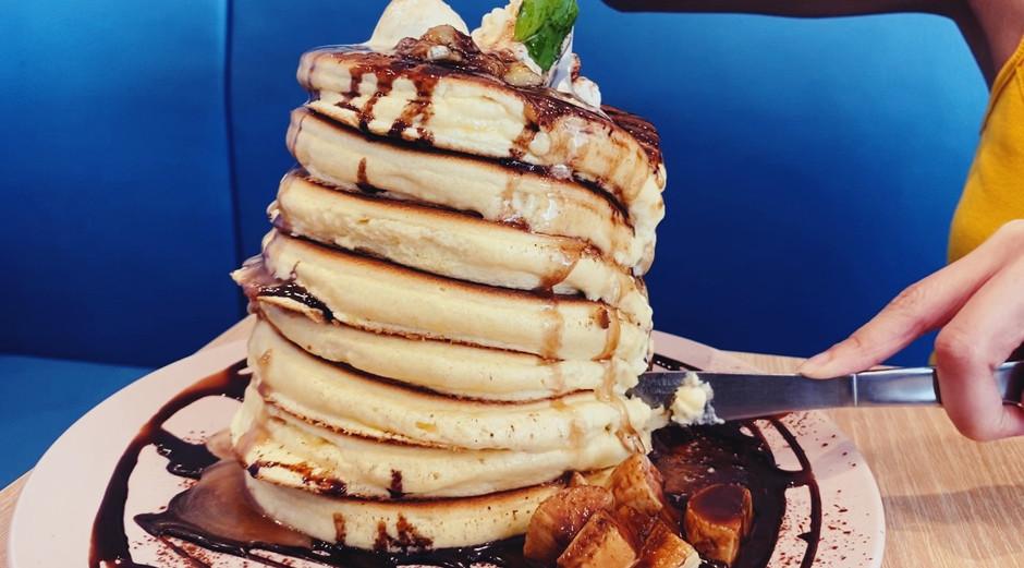 Japanese Meringue Pancakes in Belle-Ville at Bugis!